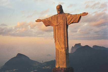 The-Christ-the-Redeemer-Statue-During-Sunset