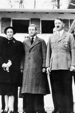 Adolf-Hitler-Duke-and-Duchess-of-Windsor